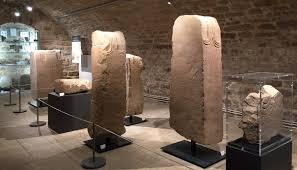 Visite découverte exposition Héros de pierre