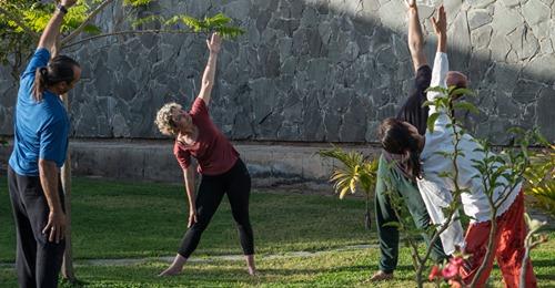 Vacances de la méditation, du yoga doux et de la danse