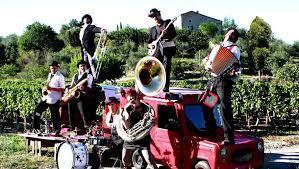 Les Jongleurs d'accordéons
